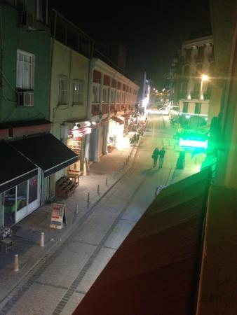Hotel Erenler: улица