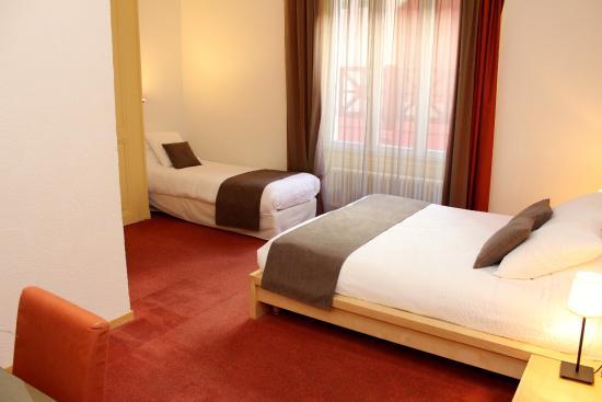 Hotel du Marche: Chambre triple