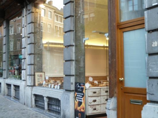 Une Gaufrette Saperlipopette: 支店の方の入り口