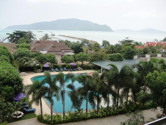 Chalong Beach Hotel and Spa: vue de la chambre