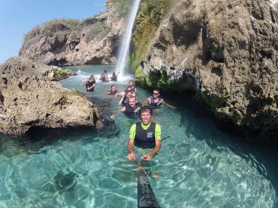 Aguas cristalinas en ruta de paddlesurf en nerja for Oficina de turismo nerja