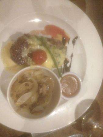 Midleton Park Hotel: Steak with blue cheese