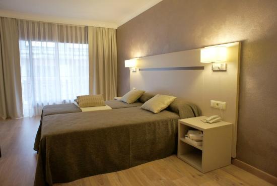 Photo of Cosmos Hotel Les Escaldes