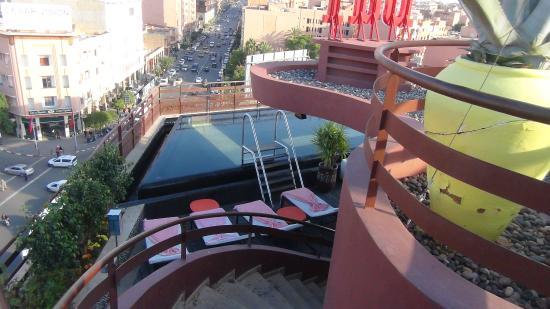 Renaissance hotel la 2018 world 39 s best hotels for Renaissance piscine