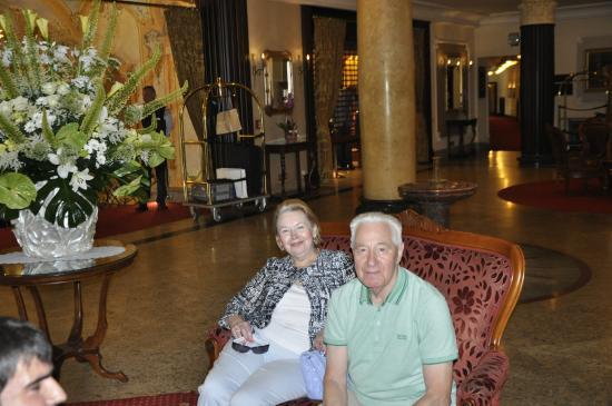 Carlsbad Plaza Medical Spa & Wellness Hotel: Лобби отеля