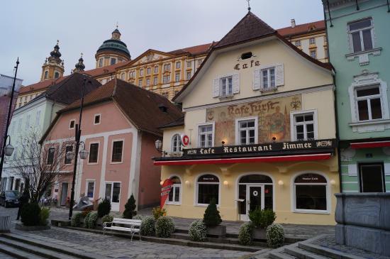 Cafe Restaurant zum Fursten: Direkt neben stift