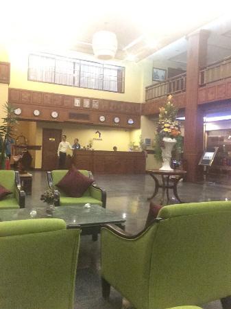 Ohana Phnom Penh Palace Hotel : Hotel lobby