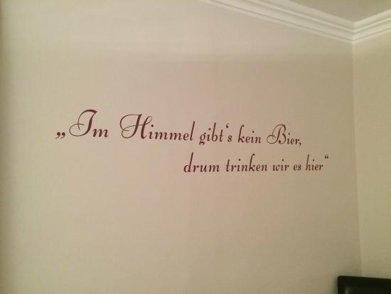 Tekst Op Muur.Tekst Op De Muur In De Kamer Picture Of Biergasthof Hotel Riedberg