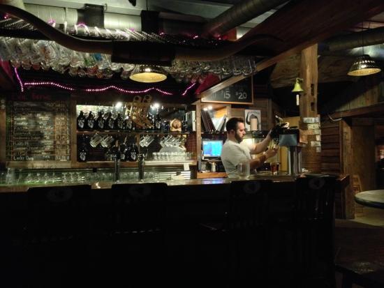 Evil Czech Brewery: Bar area