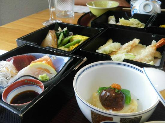 Hotel Restaurant Ryokan: In Ryokan isst man mit den Augen