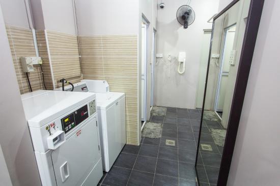 Coziee Lodge: laundry