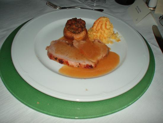 Best Western Hotel La Solara Sorrento: Veal rump in white wine sauce with potatoes duchess and stuffed champignon mushroom
