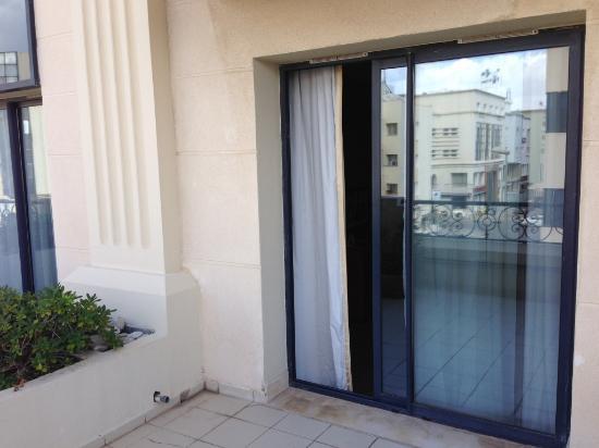 Portefenêtre En Chambre Standard Photo De Hotel Les Berges Du Lac - Porte fenetre standard