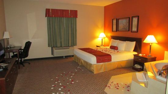 Days Inn & Suites Lakeland: Beautiful