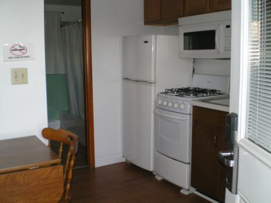 Rip Van Winkle Motel : two bed kitchenette