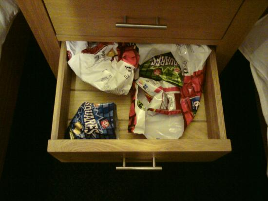 Queens Head Inn: drawer contents