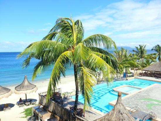 Tamaraw Beach Resort: View from the room balcony