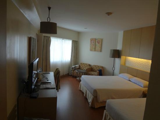 Jomtien Palm Beach Hotel & Resort: Superior 412 Main wing