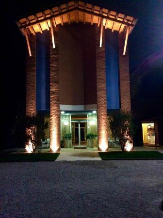 Hotel Due Torri Tempesta : Vista ingresso notturna