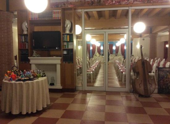 Hotel Due Torri Tempesta: Sala hall
