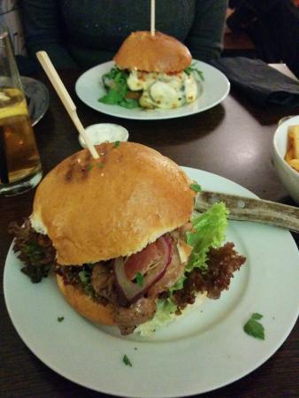 Heroes Burgers: Food haven