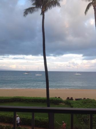 Kaanapali Beach Hotel: room view