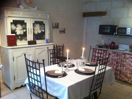 La Maison des Lizas: salle à manger