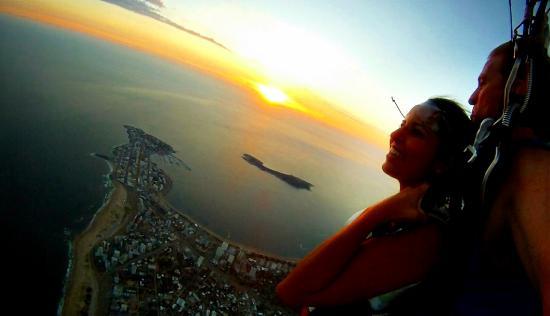Canelones Department, Uruguay: Saltando en Punta del Este