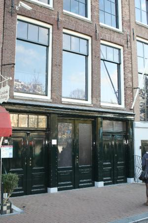 Amsterdam in World War II Walking Tour: We met at the Anne Frank House
