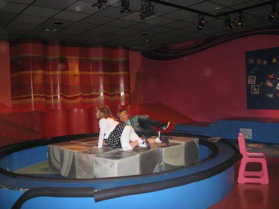 Ludiver Observatory and Planetarium: puzzles en cube dans la salle de jeux