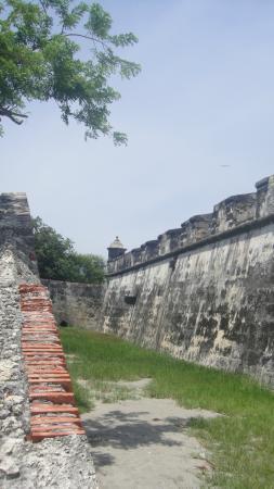 Castillo San Fernando de Bocachica: vista desde el foso