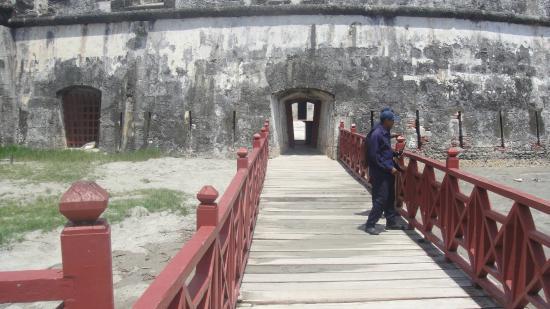 Castillo San Fernando de Bocachica: entrada