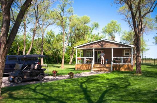 Vine Ridge Resort: The Park Model Cottage