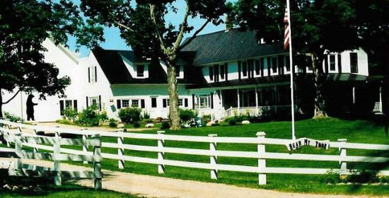 Bear Mountain Inn: property