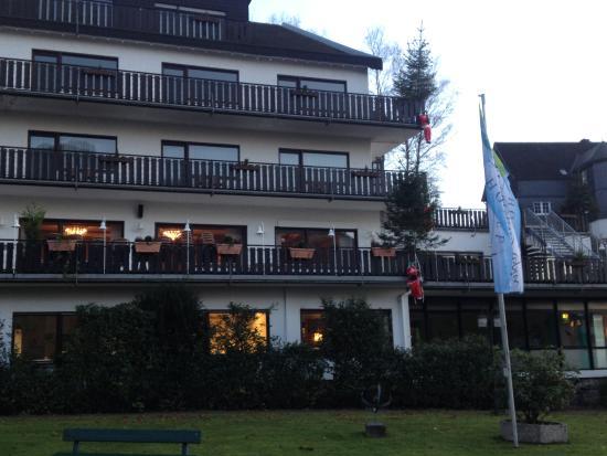 Sauerland Alpin Hotel: Wie klimt hier naar binnen...?