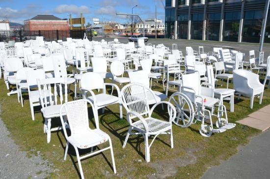185 Empty White Chairs - Earthquake Memorial: 185 empty chairs on a sunny day ....