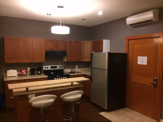 Beyond Bliss Suites : kitchen