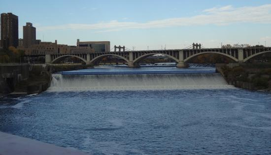 St. Anthony Falls: Falls from the Stone Arch Bridge