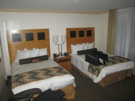 The Carlyle Inn: comfortable beds, pleasant room