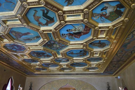 Ca d'Zan Mansion: The ballroom ceiling features paintings of dances from around the globe