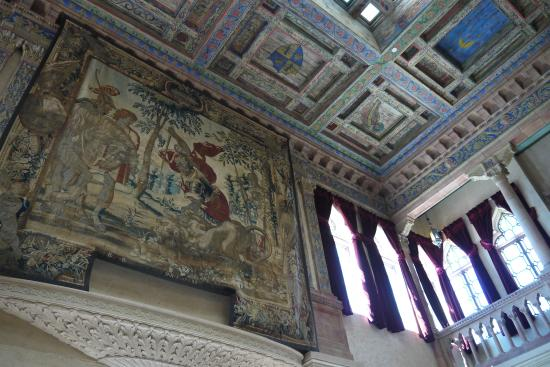 Ca d'Zan Mansion : Looking up in the sitting room