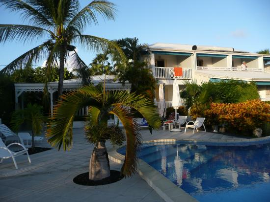 Hotel Amaudo: Hotelove apartmany s bazenem a jidelnou