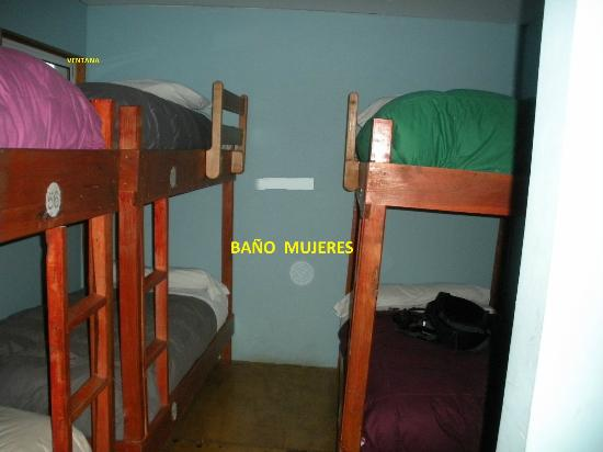 Refugio Torre Central: Habitacion pegada al baño