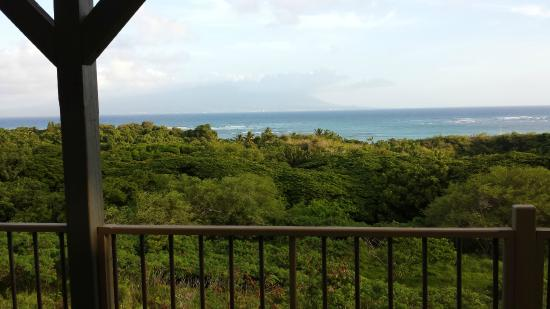 Molokai Hilltop Cottage & West End Studio : View of Maui