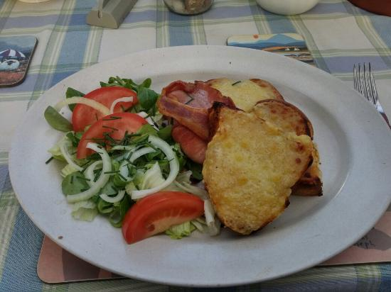 The Bluebell Cafe at Barrowmore: Welsh Rarebit...Delicious :)