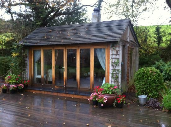 Millbrook Cottages: The Cabin, used for Weddings