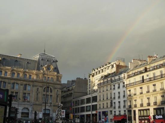 Gare St. Lazare: com arco-iris