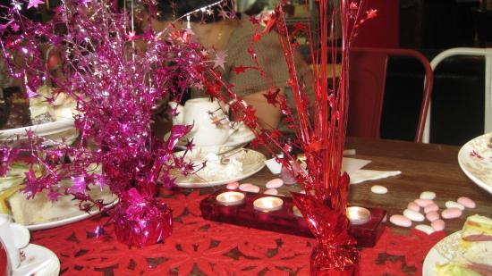 Java Spice Cafe Emporium: Table decorations