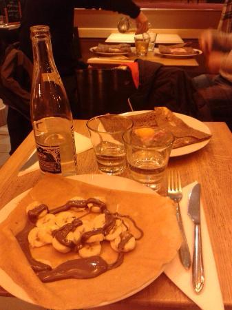 La Creperie : Banana e nutella e uovo e prosciutto
