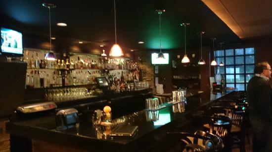 Novilhos Brazilian Steakhouse: Bar